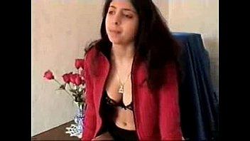 Hot Egyptian Girl شرموطة مصرية تخون زوجها والاخت تصور